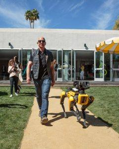 Boston Dynamics replaced CEO with robot dog